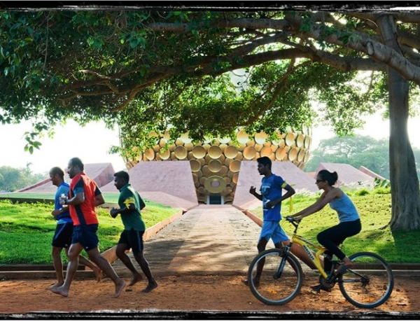 Auroville's First Barefoot Run – Benefits go to the GreenAcres Campaign!
